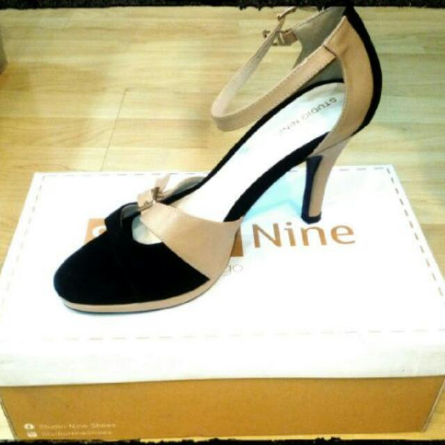 ✔NEW!!! Studio Nine Heels