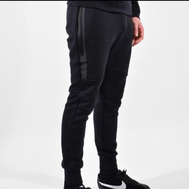 Nike Tech Fleece Joggers (M)