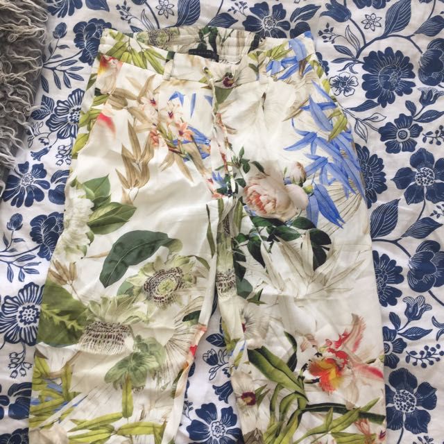 patterned flowery zara pants