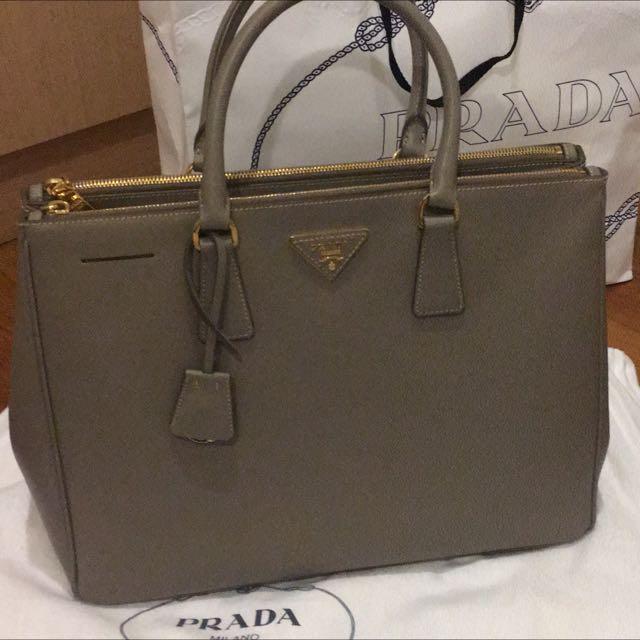 c514a0adc4ee sweden prada womens papaya orange saffiano lux tote bn1786 ae085 c765b   discount prada bag bn1786 luxury bags wallets on carousell c09d2 75ad8
