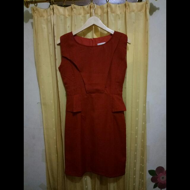 Red Dress Coupbelle