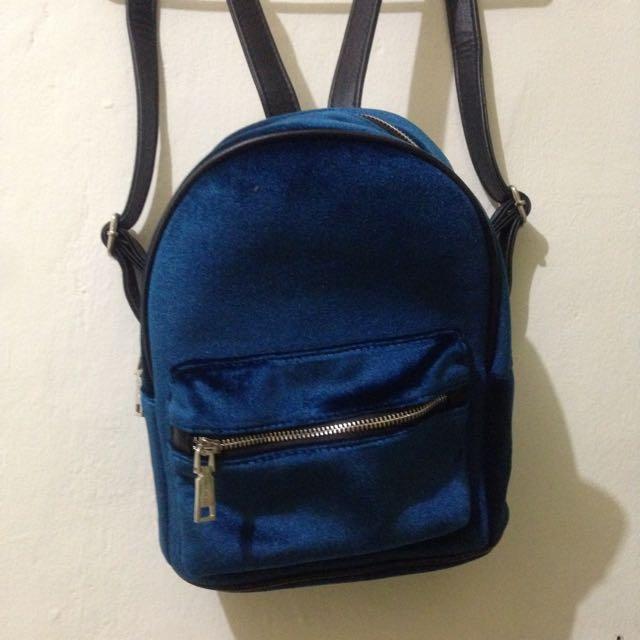 REPRICE!! Pull&Bear Velvet Mini Backpack