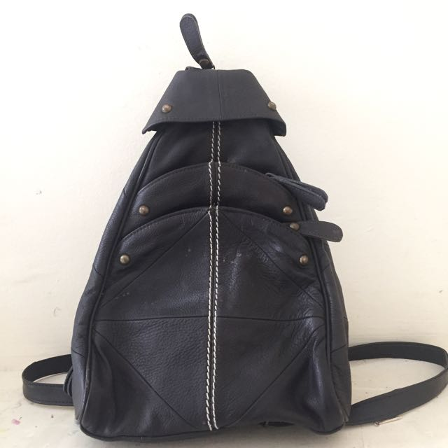 VINTAGE REWORKED LEATHER BACKPACK WITH ZIP-UP STRAPS
