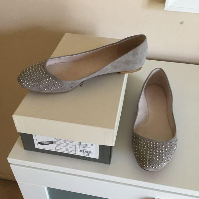 Witchery Grey Suede Ballet Flats