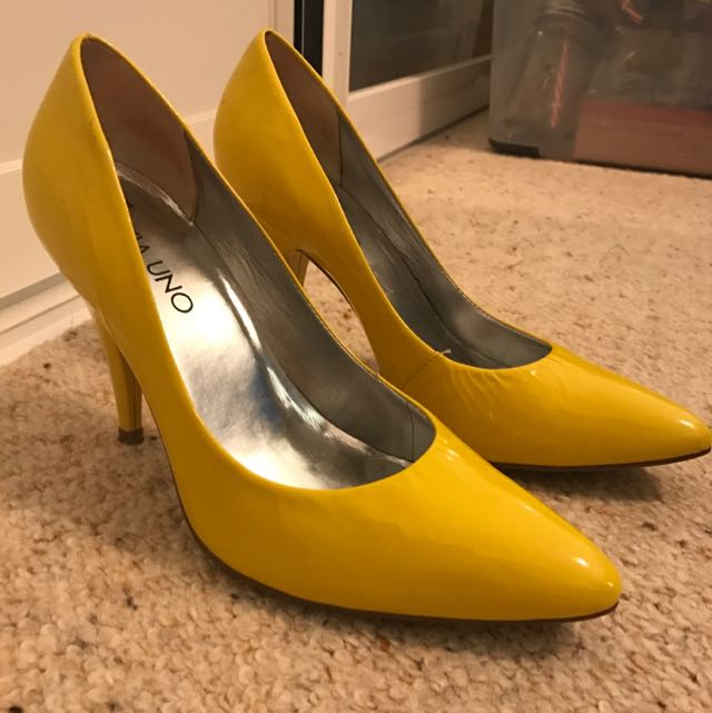 Yellow Patent Leather Via Uno Pumps