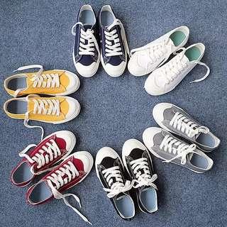 日系簡約風帆布鞋
