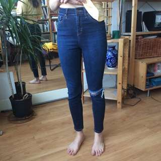 TOPSHOP Jamie Jeans Size 26 (no Stains/rips/worn 2x)