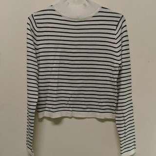 🚚 黑白橫條紋針織高領上衣。東京著衣。Queen shop可參考