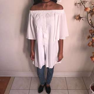 *1 LEFT* MEDIUM White Off Shoulder Top