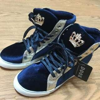 全新時尚運動鞋(降價)