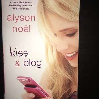Kiss and blog book