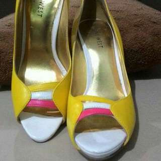 Reprized Nine West Yellow Shoes