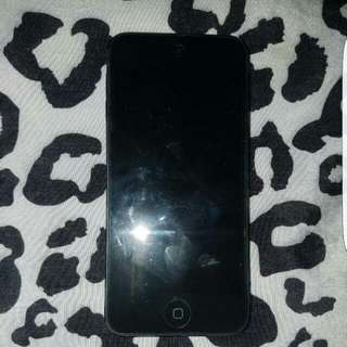**REDUCED** IPod Touch 5th Gen