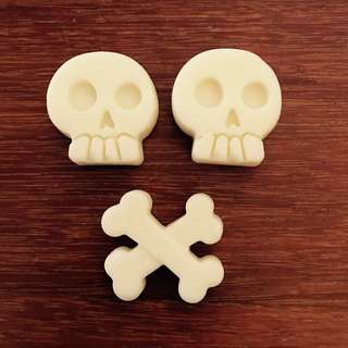 Skull And Crossbones Wax Melts