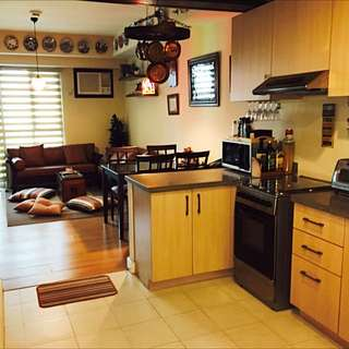 Rockwell Grove 1BR Unit with Parking