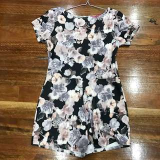 Floral play suit With Back Cutout
