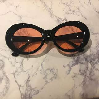 Red Lense Vintage Style Sunglasses