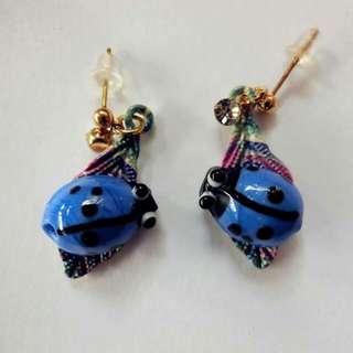 藍色小瓢蟲耳環