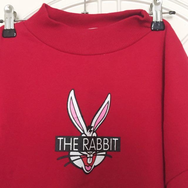 兔子微高領紅長袖上衣