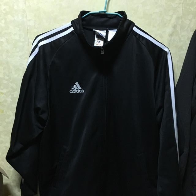 Adidas 東京購 經典黑白款 有別於一般市面上的 古著 9成多新 L號適合170以上的男生