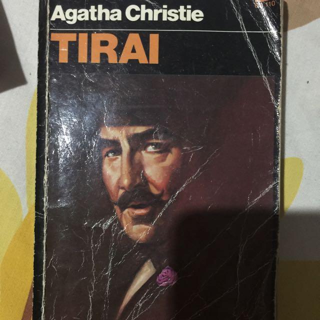 Agatha Christie Tirai Buku