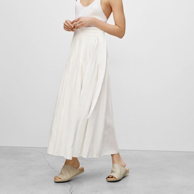 Aritzia Essonne Skirt