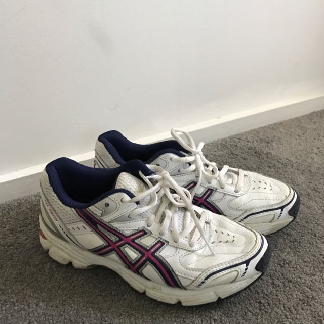 Asics Trainers PRICE REDUCED TO SELL