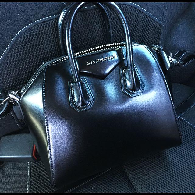 Authentic Givenchy Antigona Mini