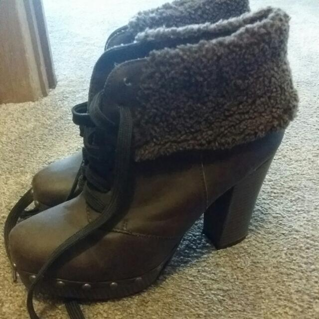 Brown Boots With Fur