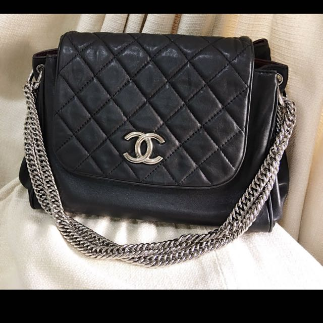 100% Authentic Chanel Black Calfskin Bag With Chanel Box And Bag