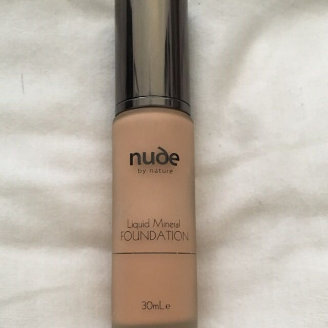 Nude By Nature - Liquid Mineral Foundation