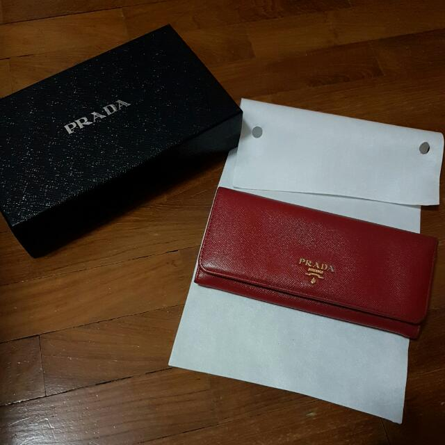 19adbdfe0ad4 Prada Saffiano Wallet in RED, Women's Fashion, Bags & Wallets on ...