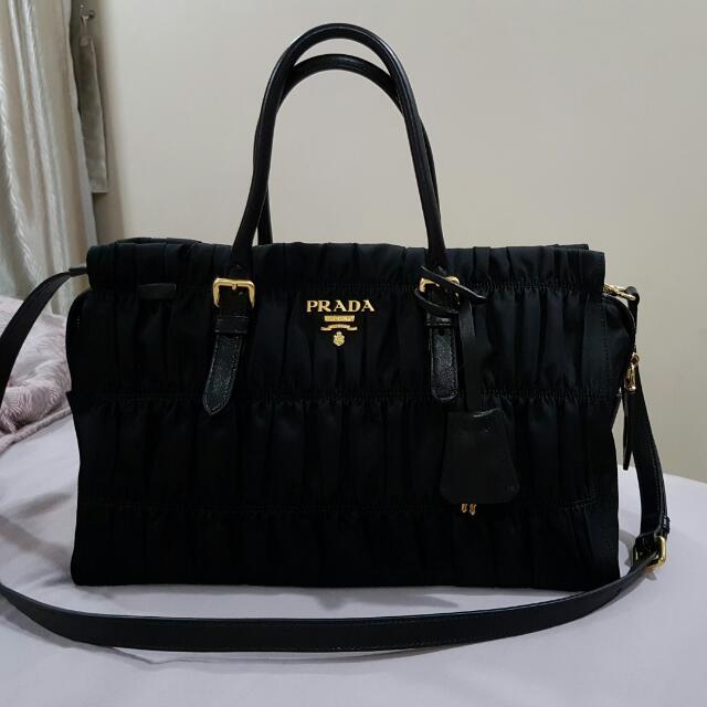 9cf97b272d50 ... bag reebonz 235b1 aca99 france prada tessuto gaufre nero 2016 model  luxury bags wallets on carousell 49499 92992 ...