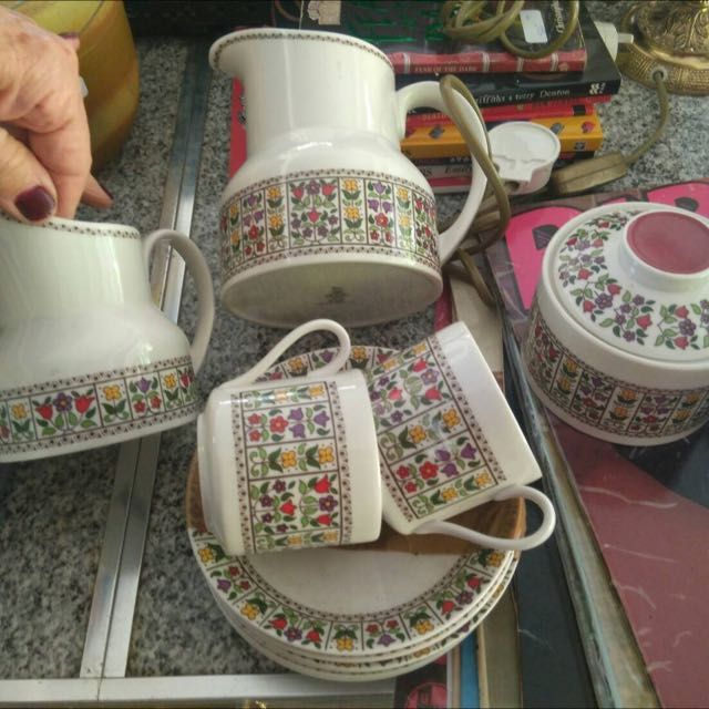 Royal Dolton Tea Set