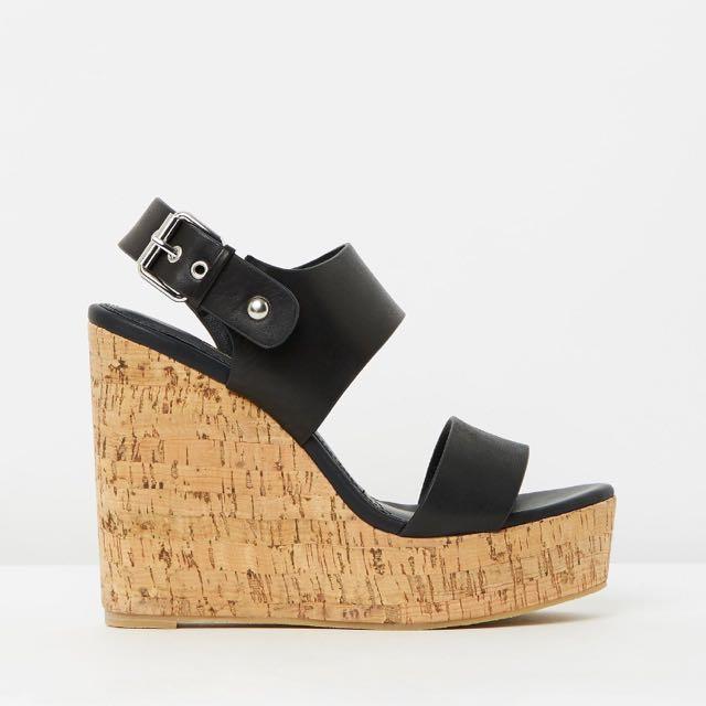 Siren Wedge Shoes In Black