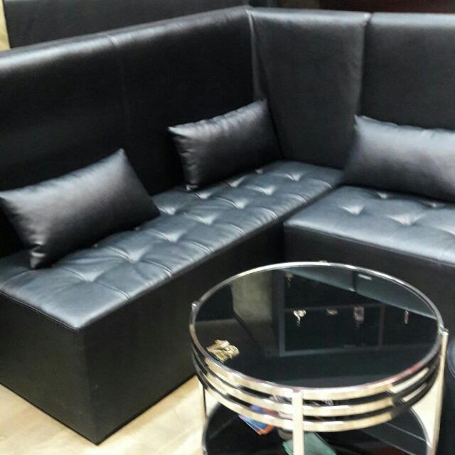 Sofa 2 Pcs And A Round Table $60 Per Sofa And $50 For The Round Table