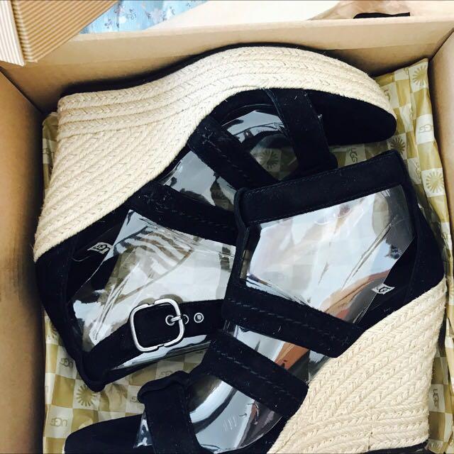 UGG black High Heels For Selling. New!!!!