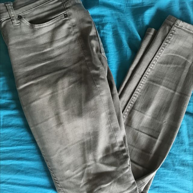 Urban Outfitters Mid Rise Skinny Jeans Size 26