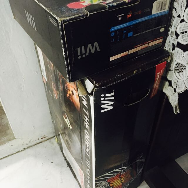 Wii Bundle + Guitar Hero (reduced Price from 10k)
