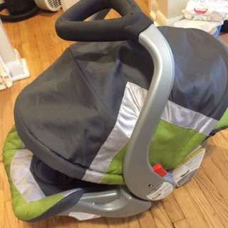 Baby Trend Ez Flex Loc Infant Car Seat With Two Bases