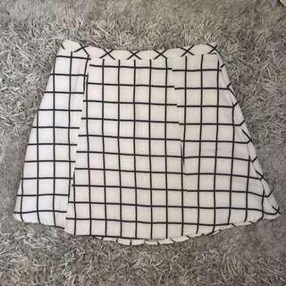 Grid skirt