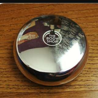 Body Shop All-in-one Face Base Shade 05