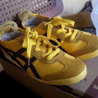 Pre Loved Onitsuka Tiger Shoes Size 8 Men's Size...  Colors : Yellow/White/Blue