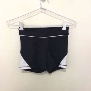 Ivy Park Gym Short Tights, Women's Size XS, Black And White