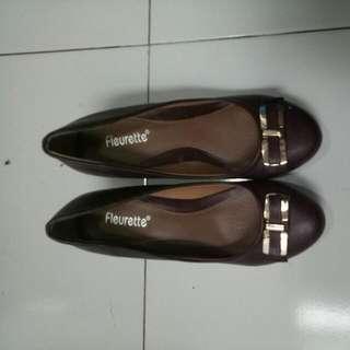 Sepatu Fleurette Uk. 35