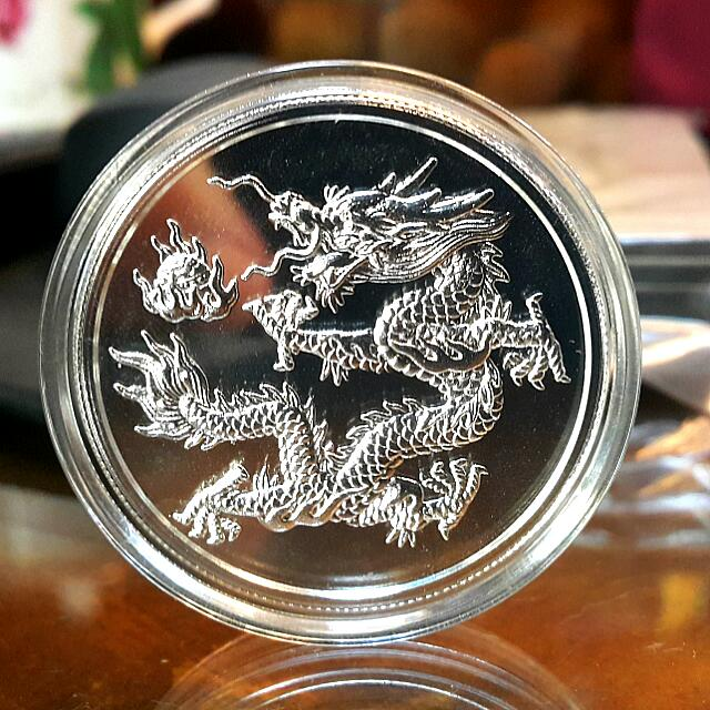 紀念幣或是訂製的平安幣等藝品,都可量身訂製。價格要估算
