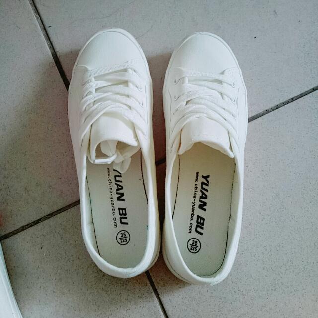 小白鞋 22.5