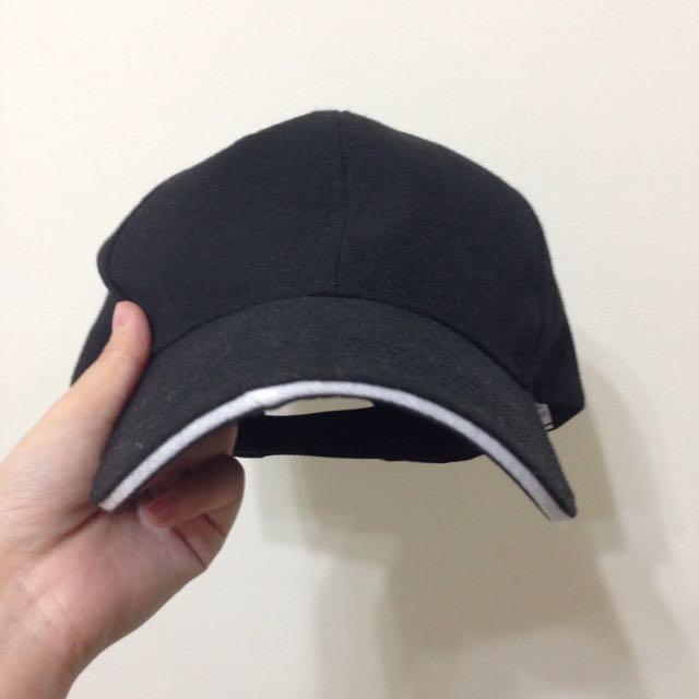 黑色 彎帽