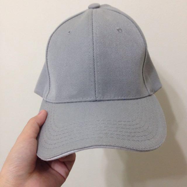 灰色 彎帽