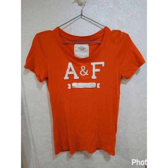 a&f破壞感英文字女版短t#橘紅L號